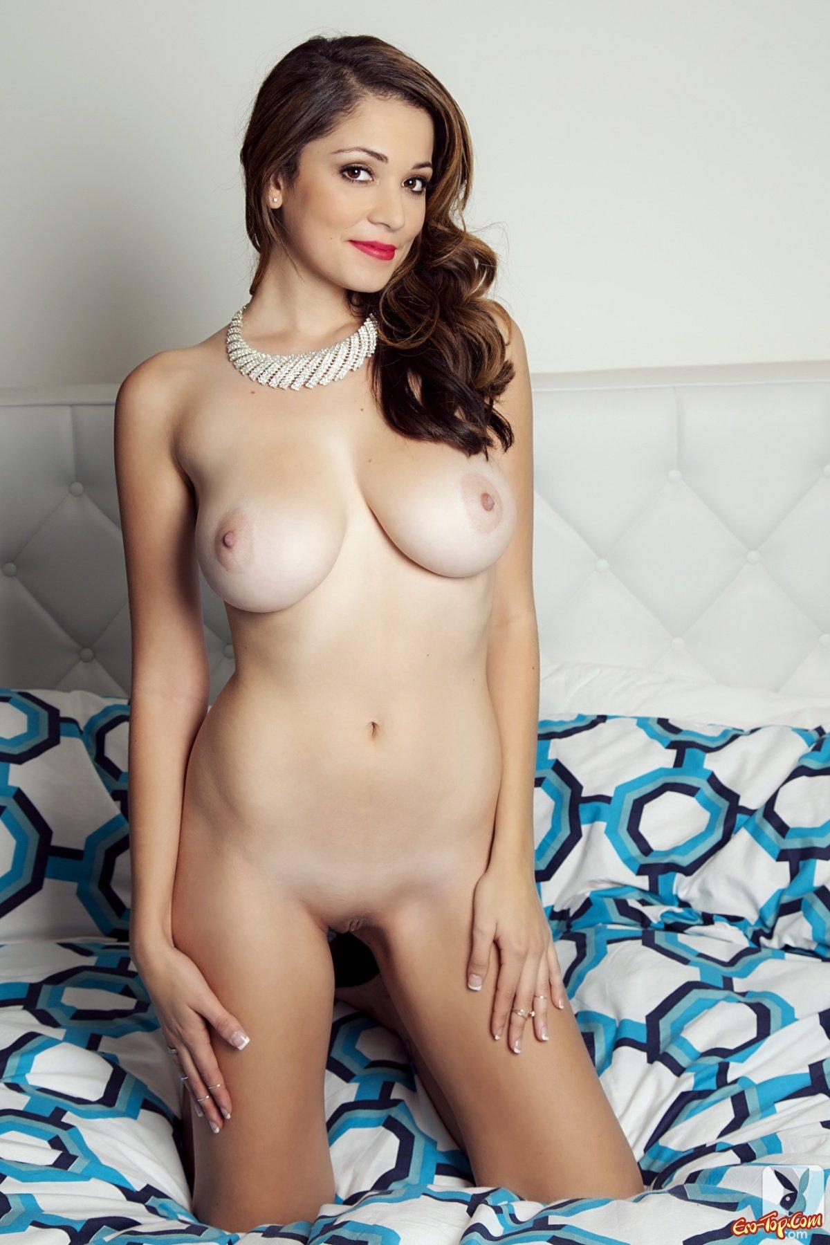 Фото мадам с огромными дойками