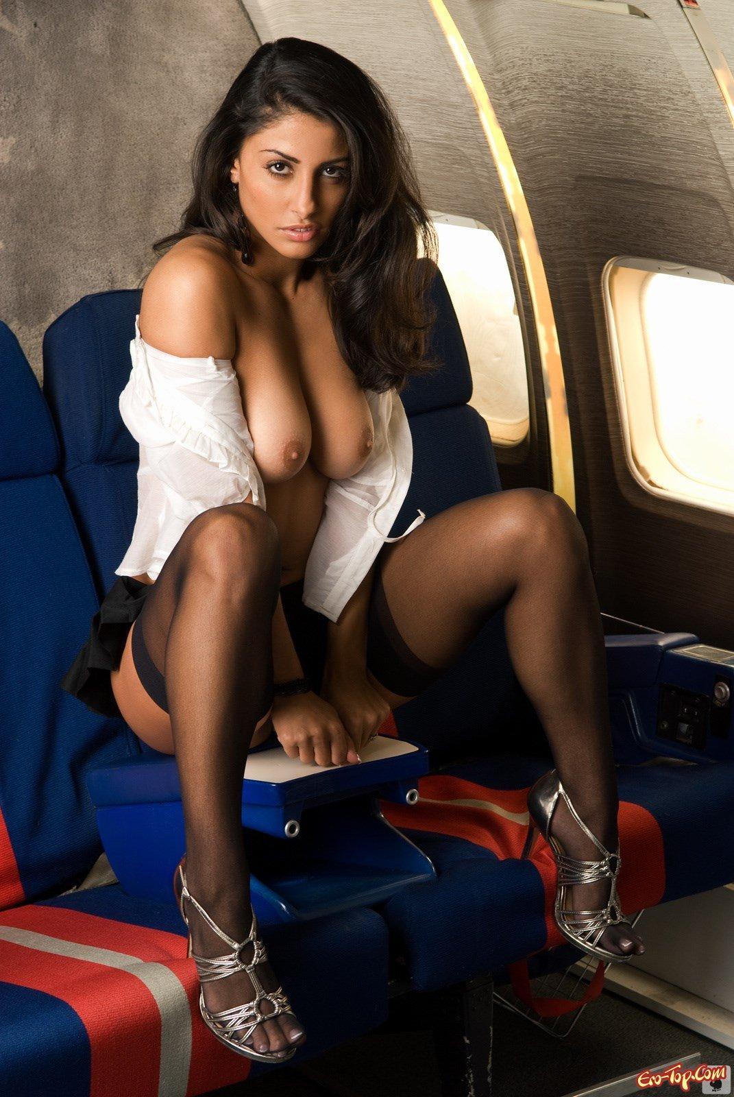 Фото стюардесс в черных чулках 10 фотография