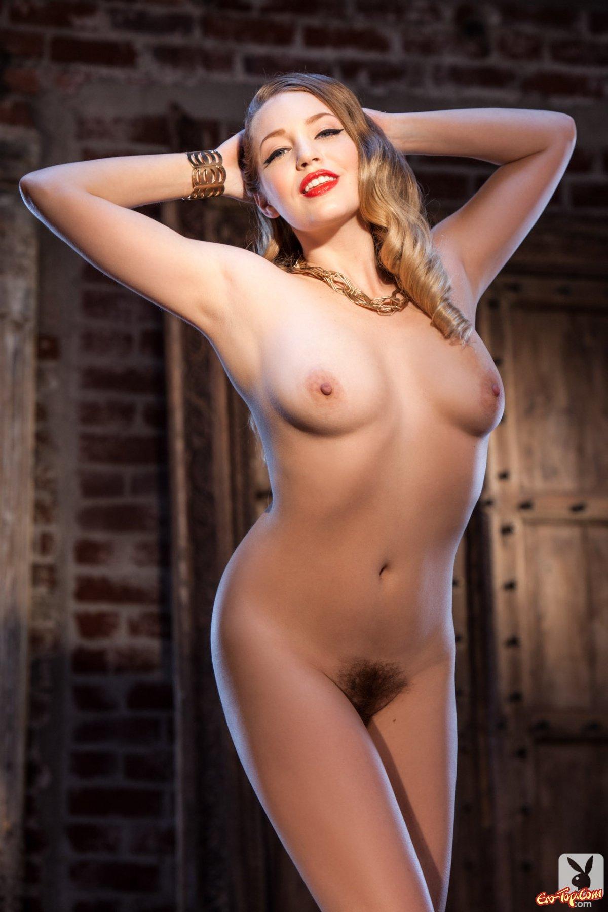 Красивая похотливая блондинка смотреть эротику