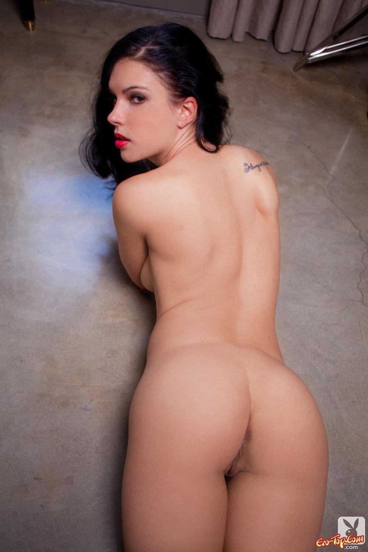 Красоточка русая порноактрисса