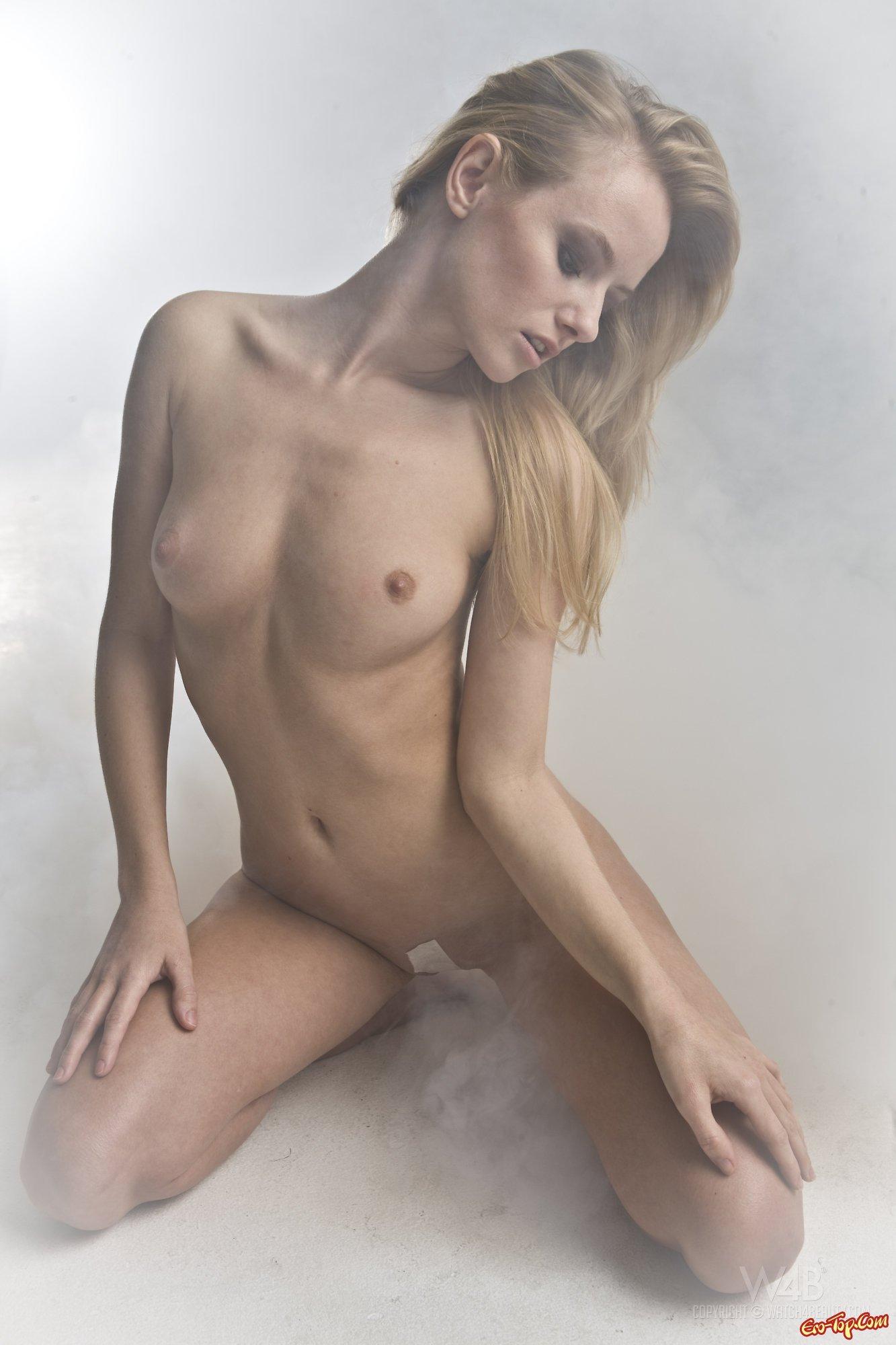 С заклеенным ртом порно 7 фотография