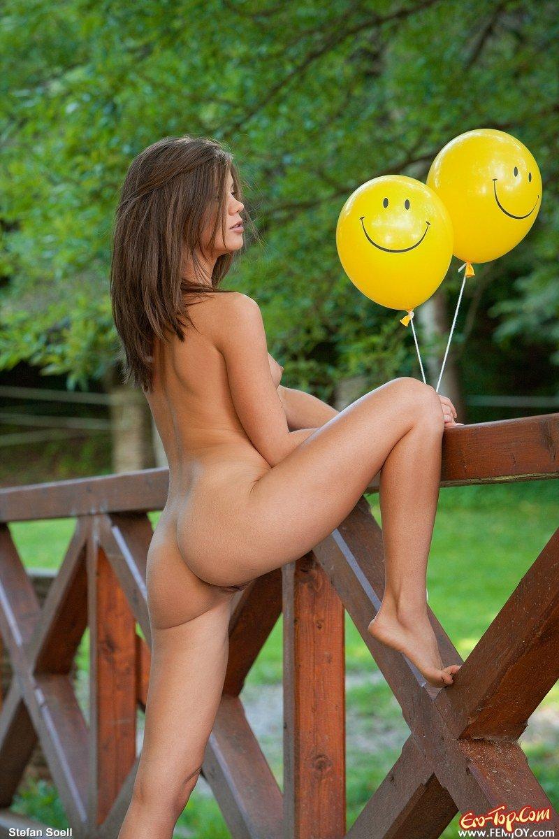 Сучка с воздушными шариками смотреть эротику