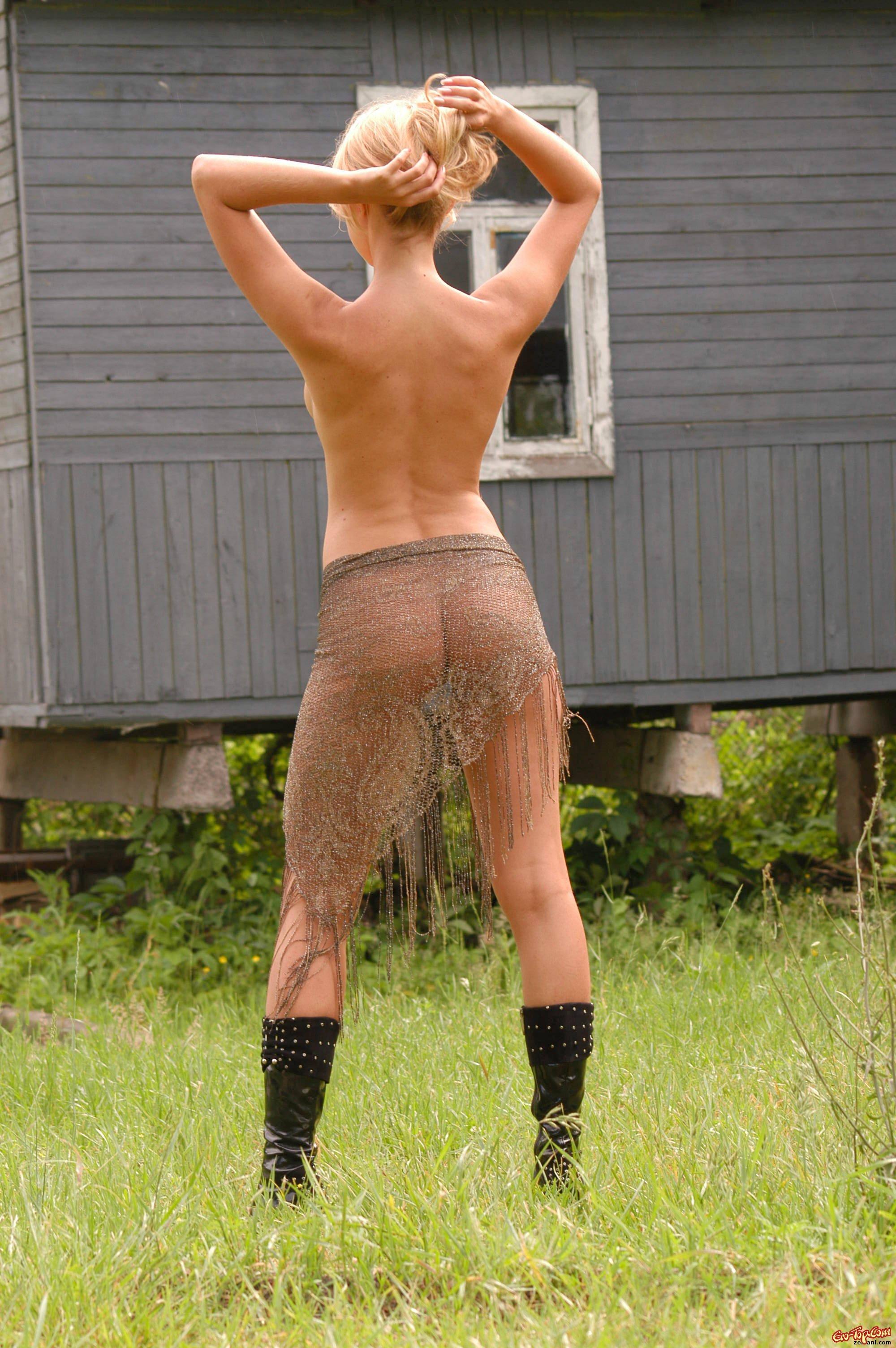 Голая деревенская телка