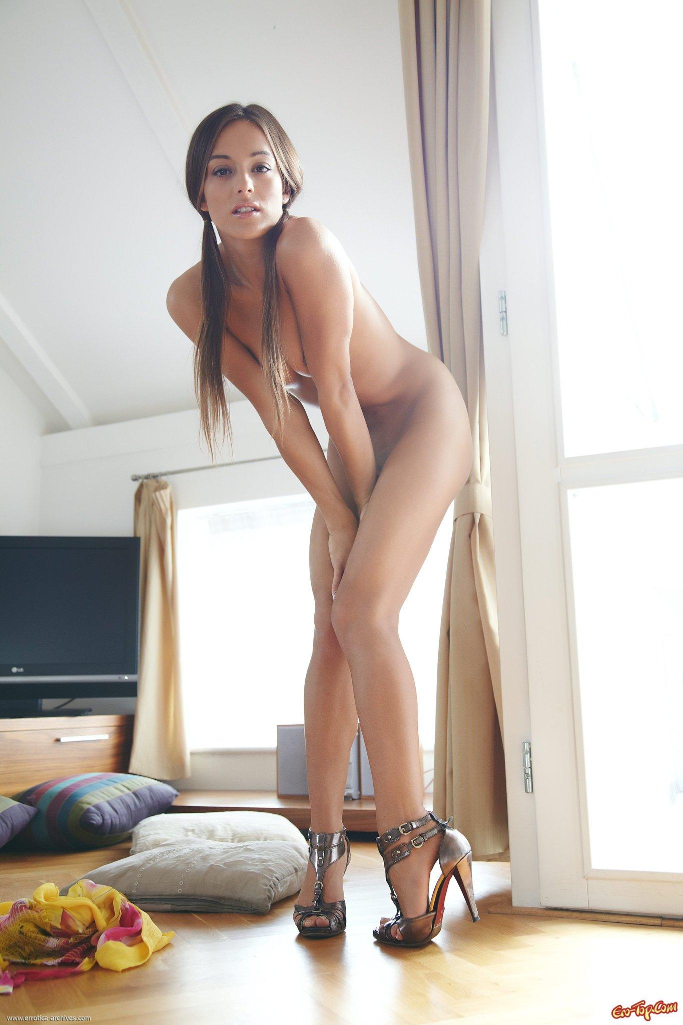 Клитор фото - женщины с большим клитором крупным планом