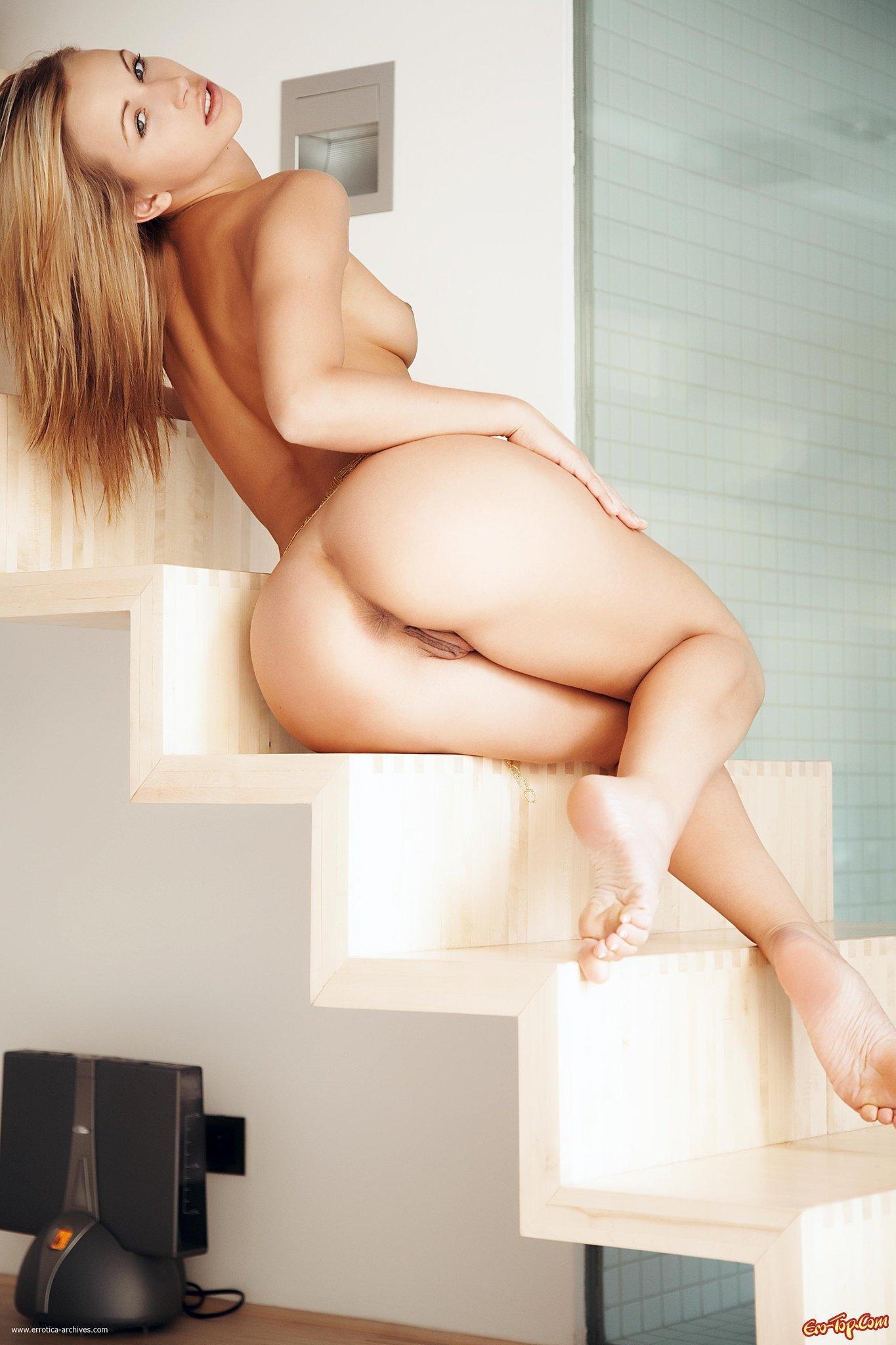 Классная голая жопа