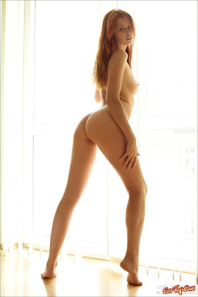 Рыжеволосая кобыла обнаженная фото