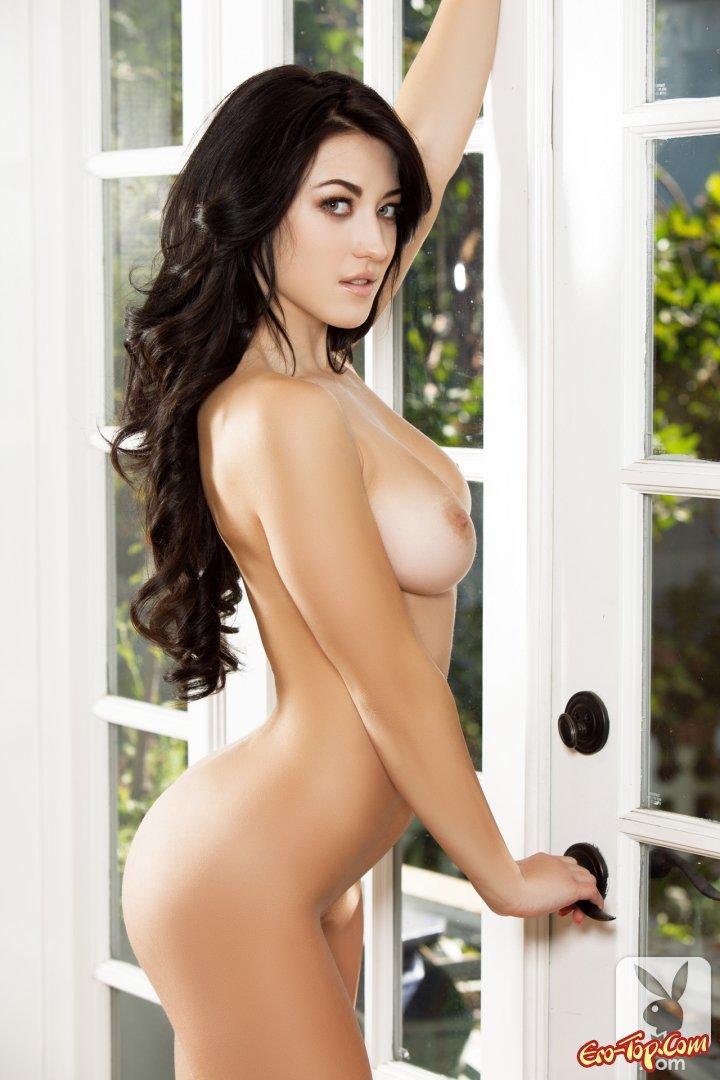 Русая порноактрисса с симпатичными волосами секс фото