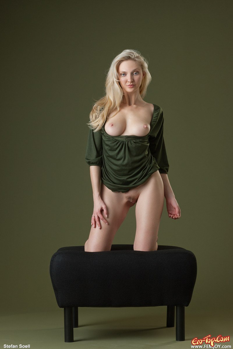 Голая блонда секс фото