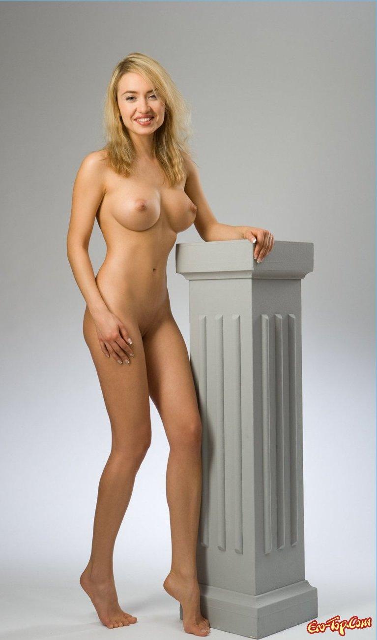 Блонди с большой грудью