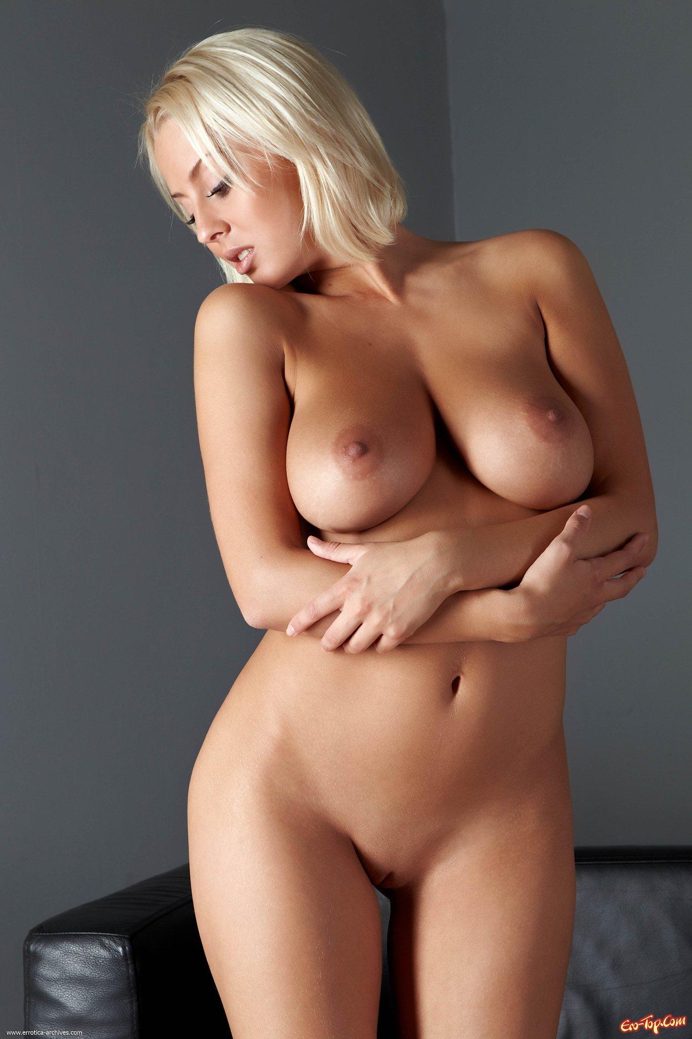 Фото голых блондинок в возросте 13 фотография