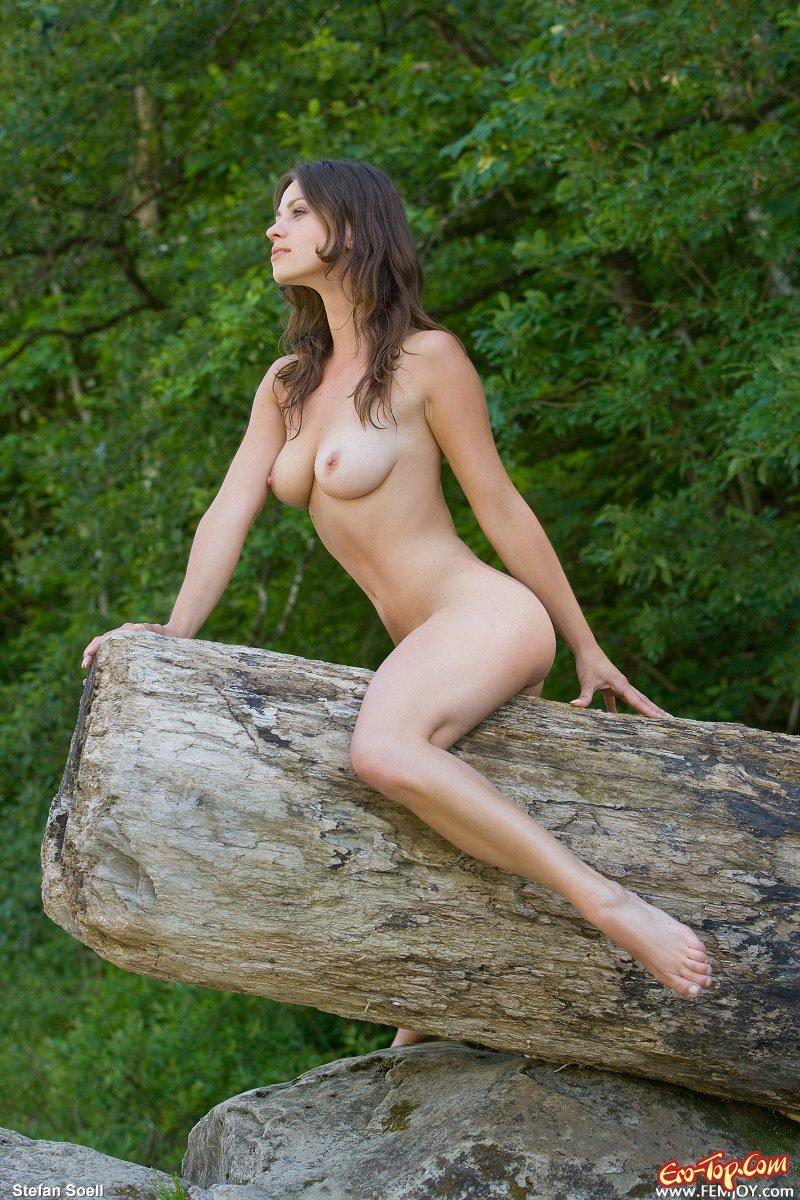 Милашка и природа смотреть эротику
