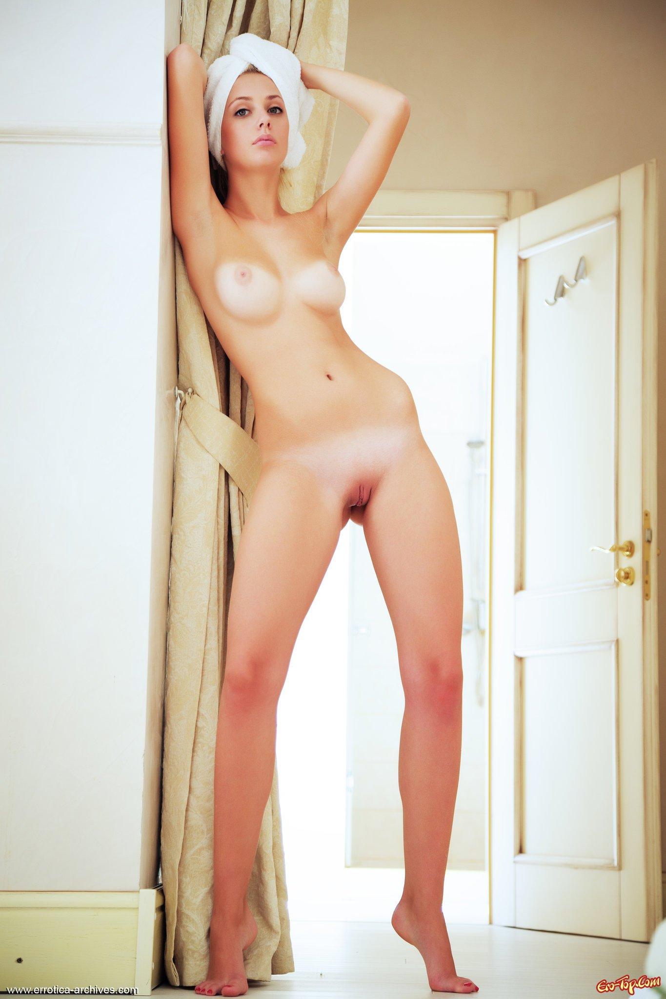 Голые длиноногие звезды фото 490-227