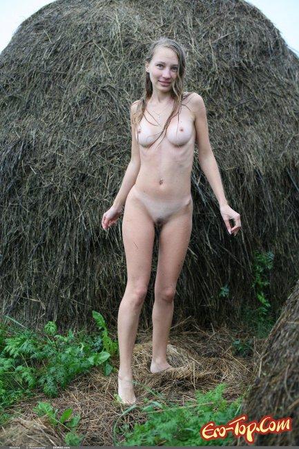 фото голых деревенских шлюх
