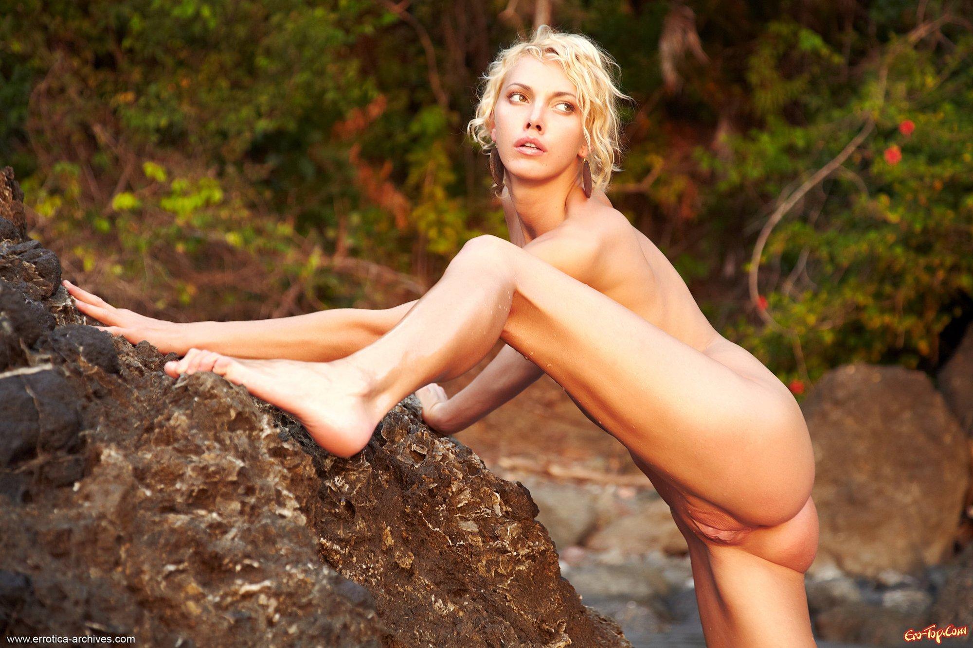Фото голая худышка секс фото