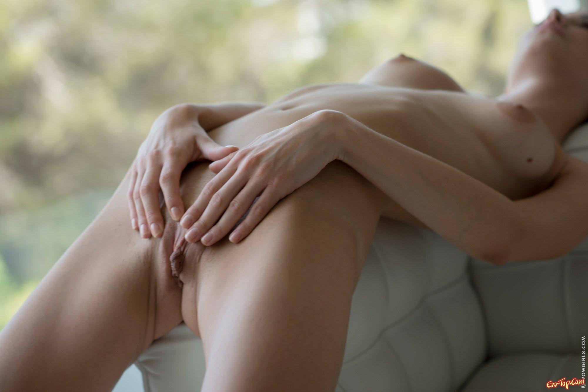 Секс фото девушек как девушки снимают трусы и лифчики 5 фотография
