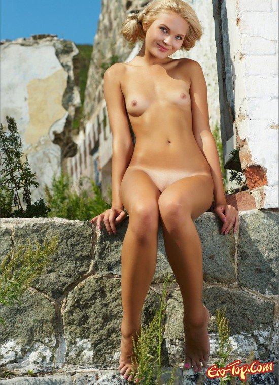Длинные ножки модели фото