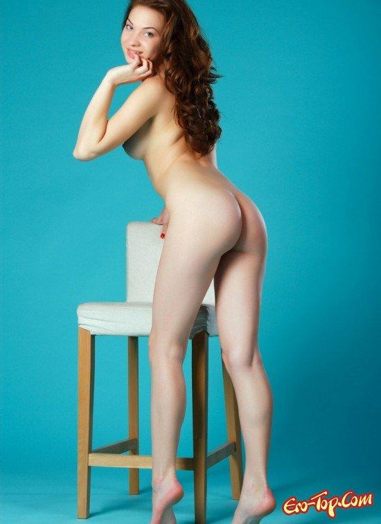 Раздетая с длинными волосами смотреть эротику