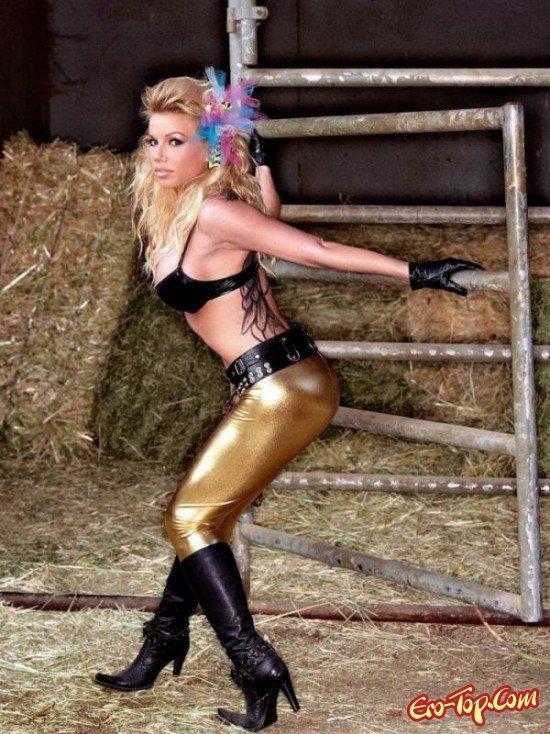 Безумно нежная блондинка смотреть эротику