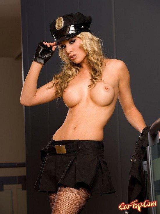 фото голые милиционерши