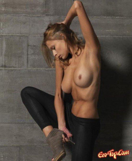 Грудь с небольшими сосками секс фото