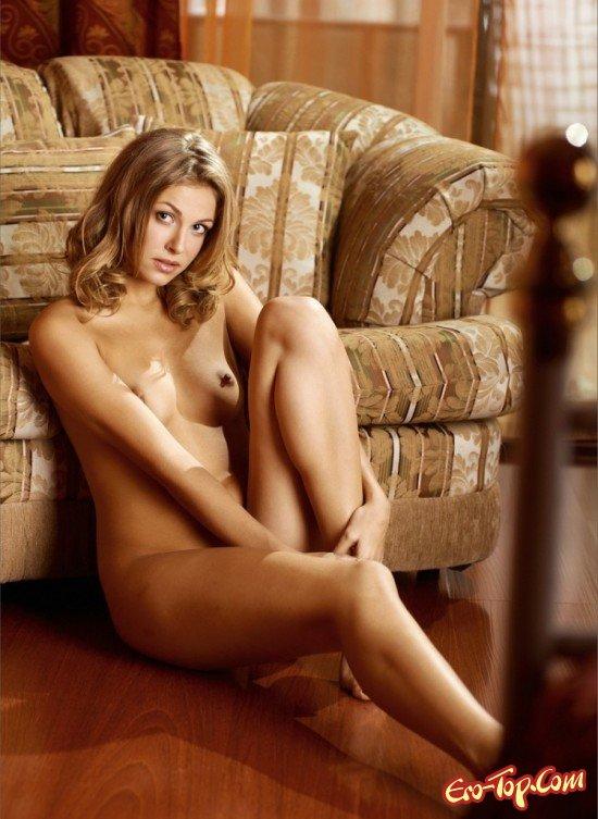 Молодая домохозяйка смотреть эротику