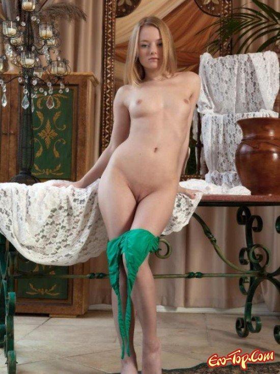 Сучка в зеленом платье