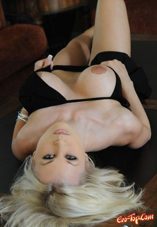 Роскошная пизда блондинки