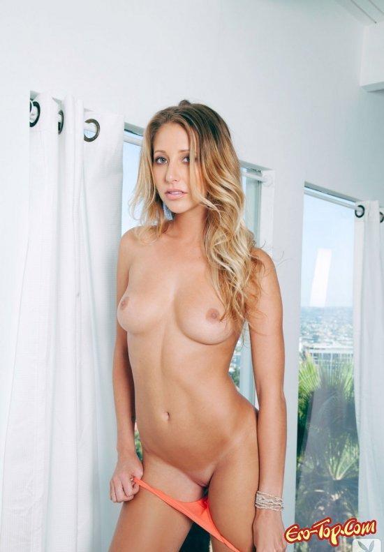 Прекрасная блондинка