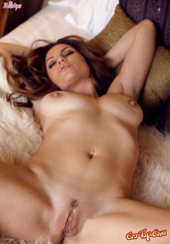 зрелые красотки голыми на фото