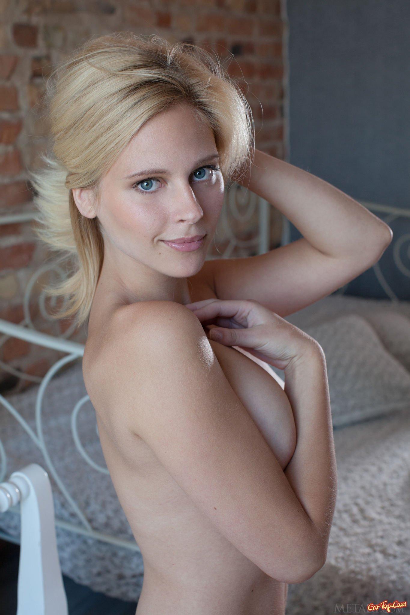 Эротические картинки блондинки