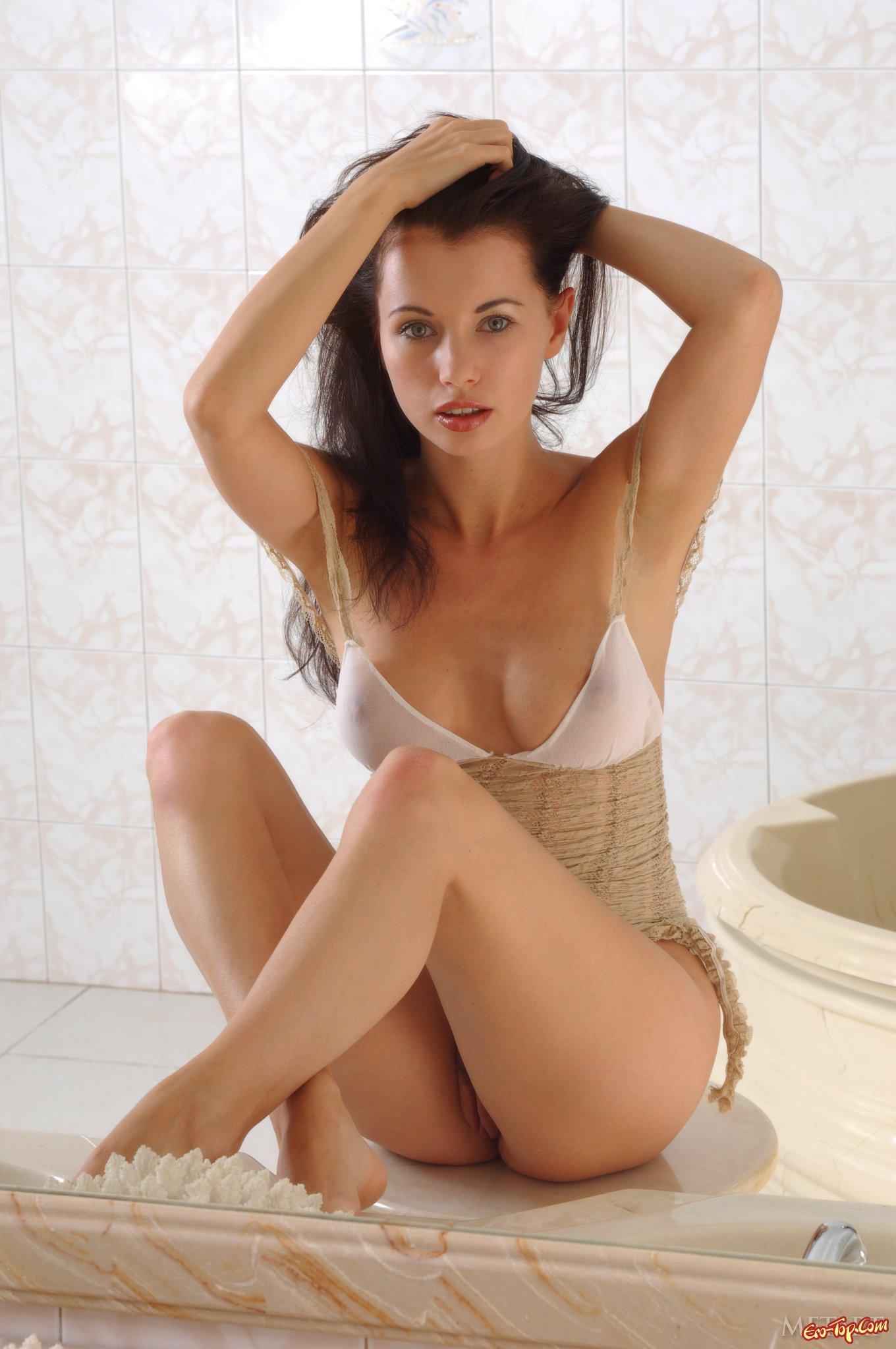 Сучка в ванной