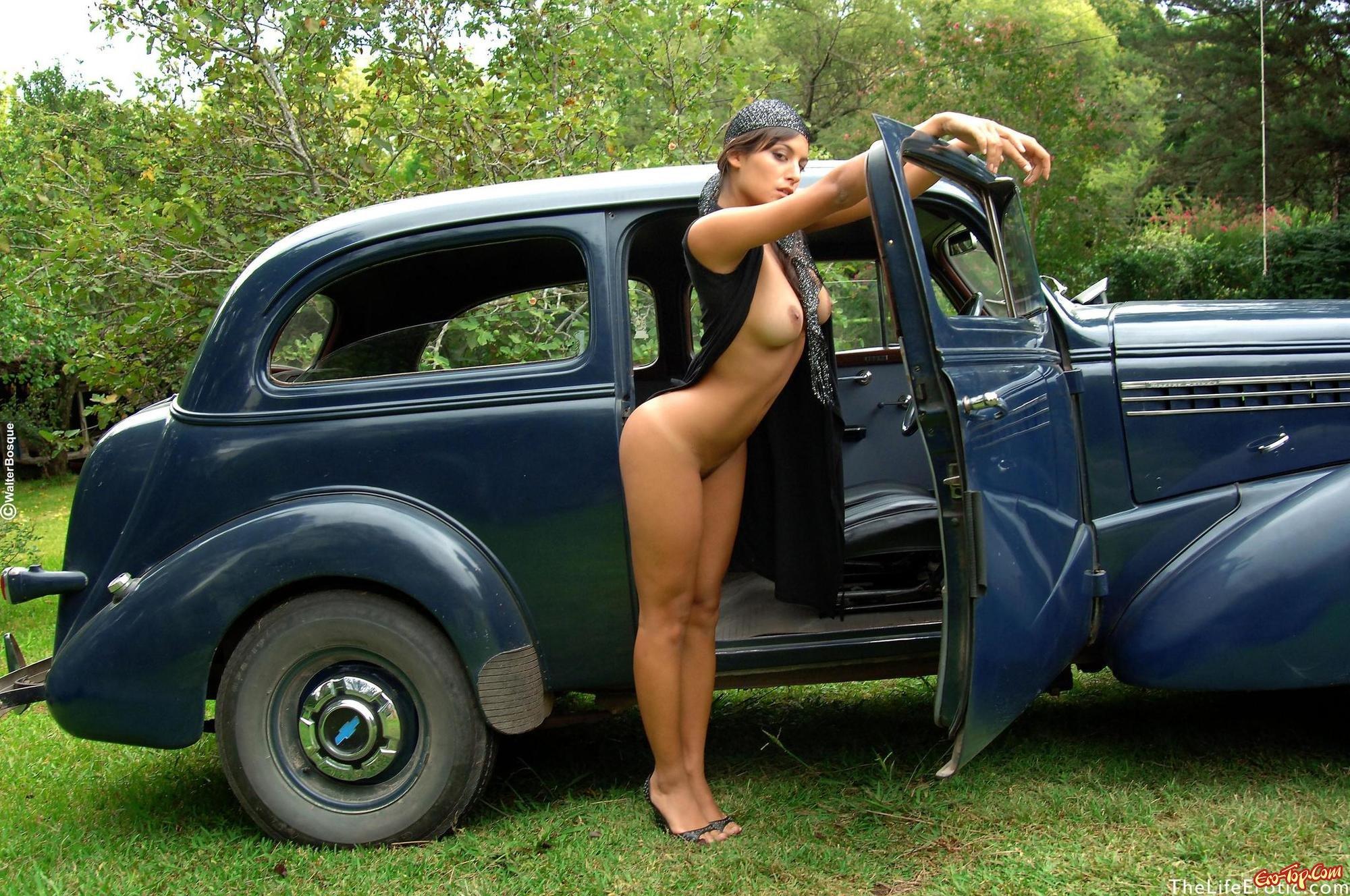 seks-v-avto-foto