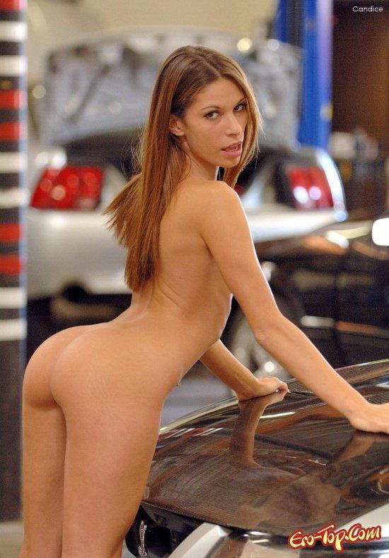 Мадам недалеко от машины