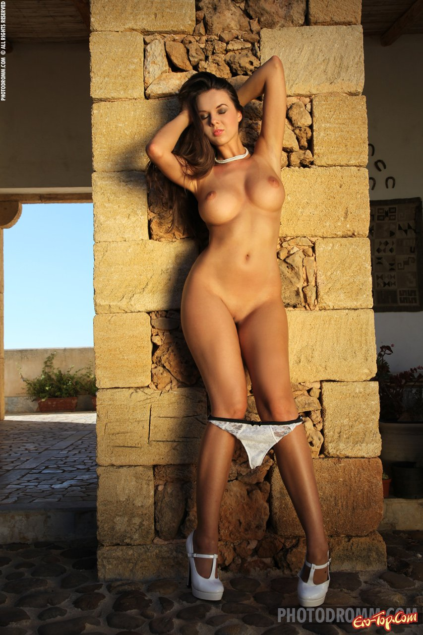 Большие голые дойки