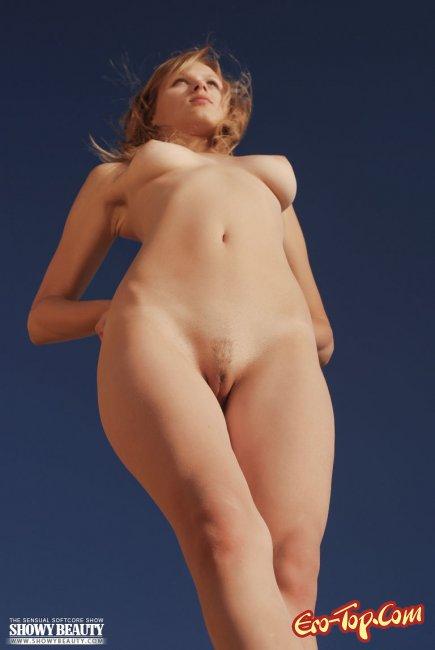Фото голые в полный рост девушки в