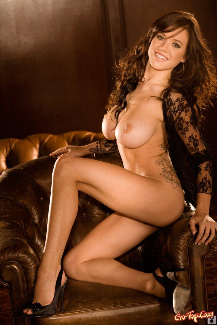Сочная голая девка