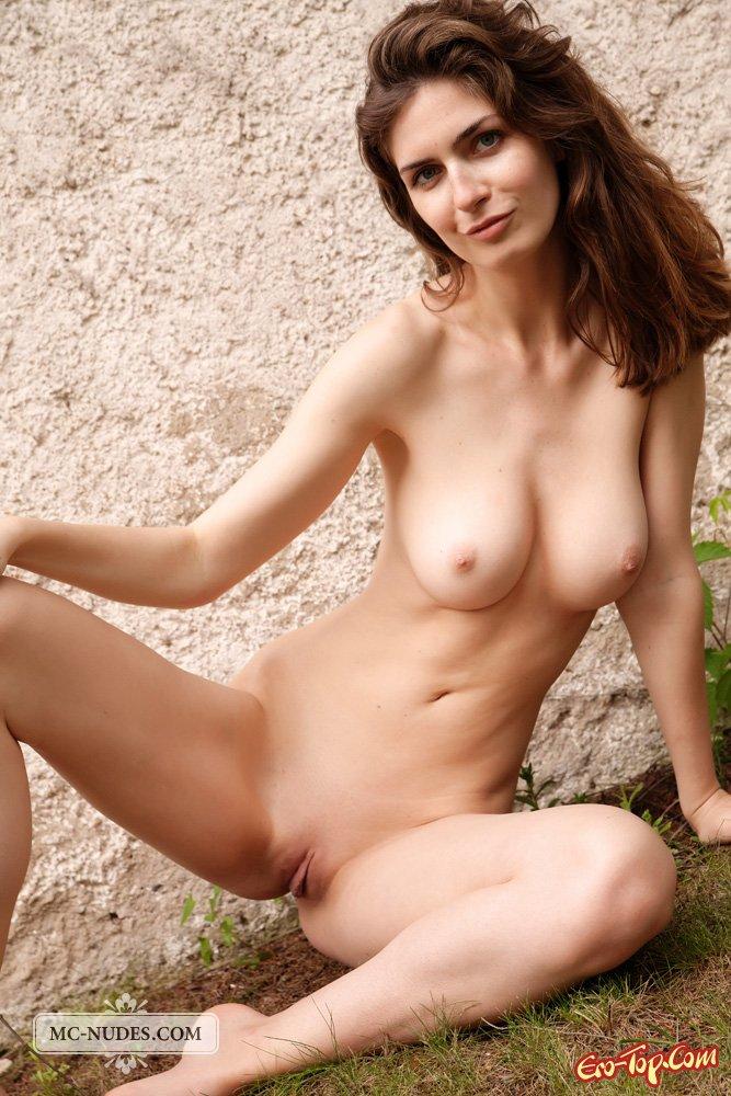 Рыжеволосая обнаженная женщина секс фото