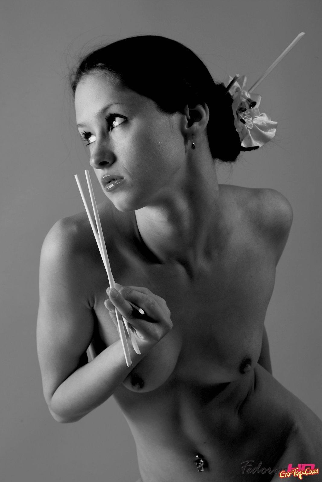 Черно-белое соблазнительное фото смотреть эротику