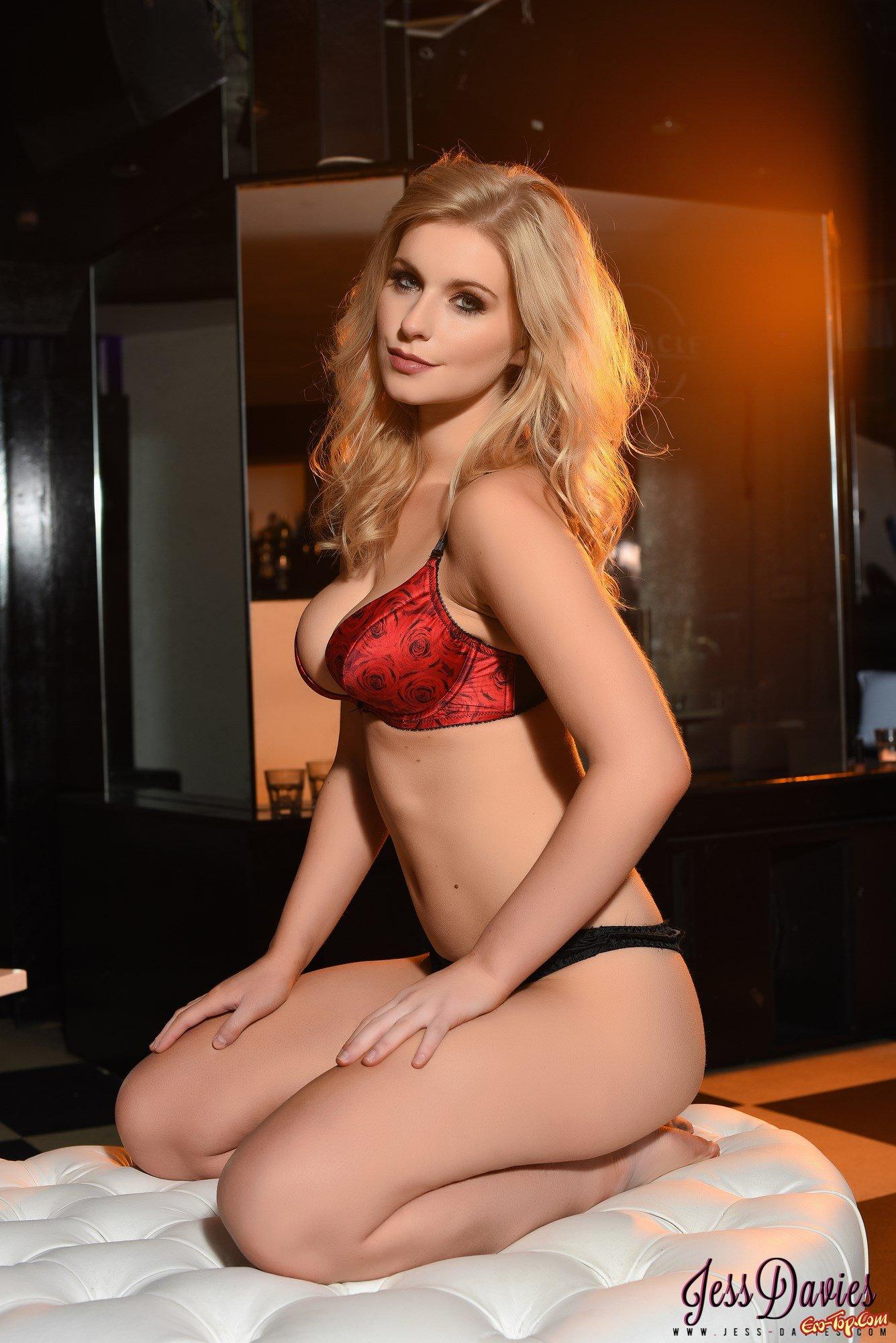 Светловолосая девушка секс фото