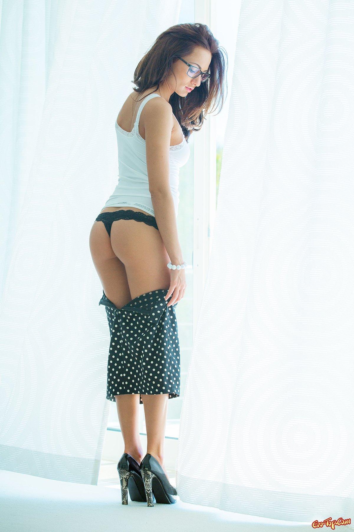 Горячая и голая Michaela Isizzu