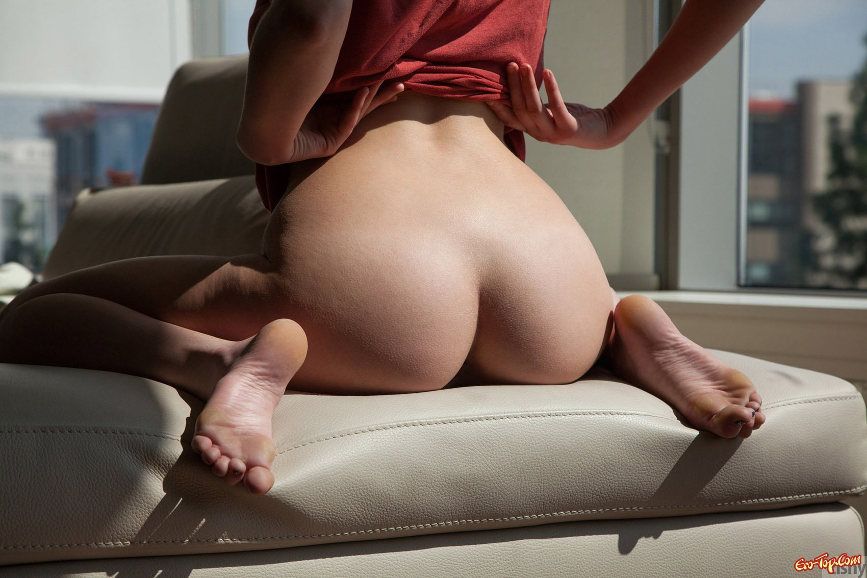 Секс девушка снимает штаны смотреть 19 фотография
