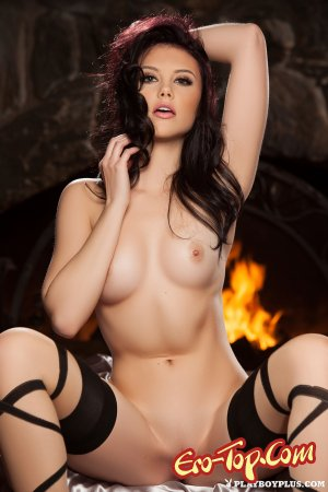 �������� ���� Iana Little