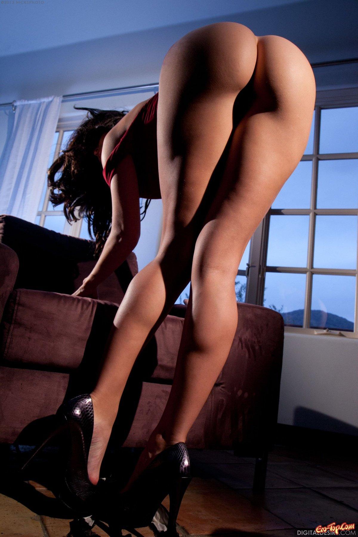 Смотреть высокие каблуки и трусики 2 15 фотография