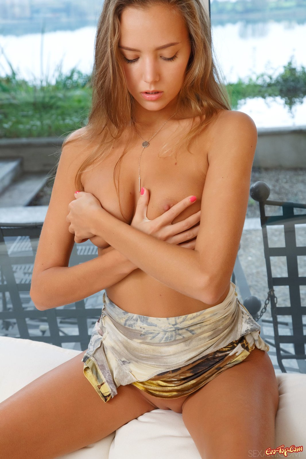 Молодая Katya Clover