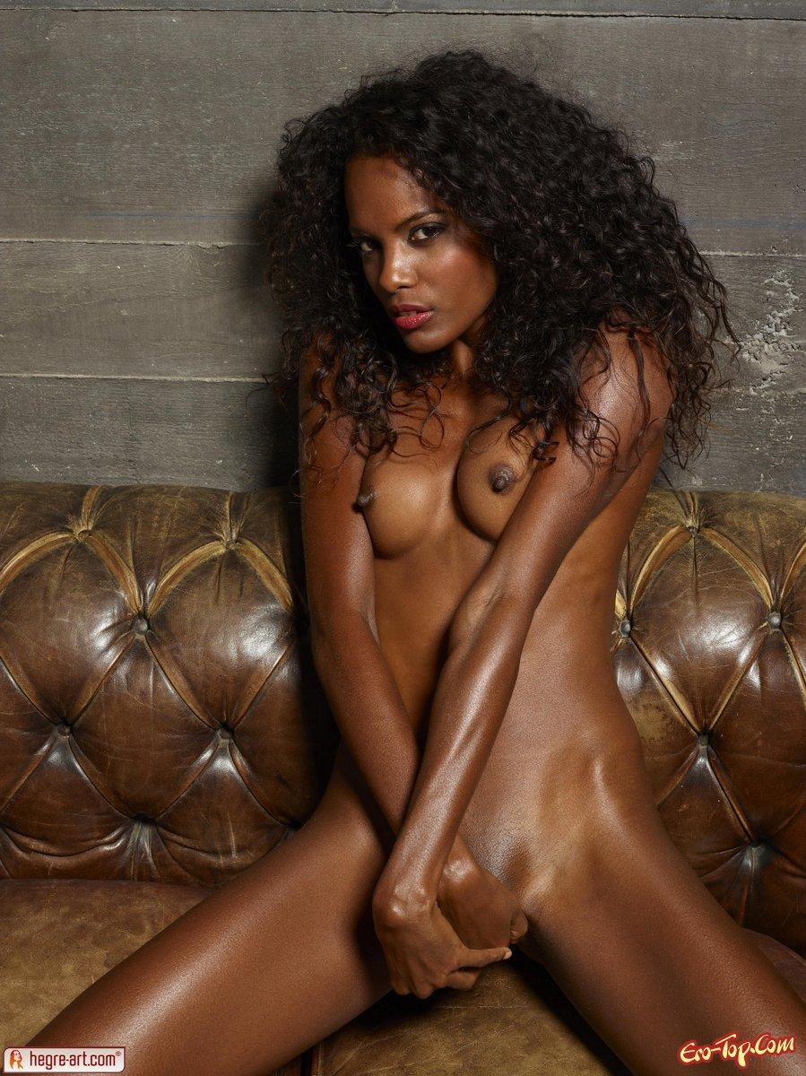 Кудрявая негритянка секс фото