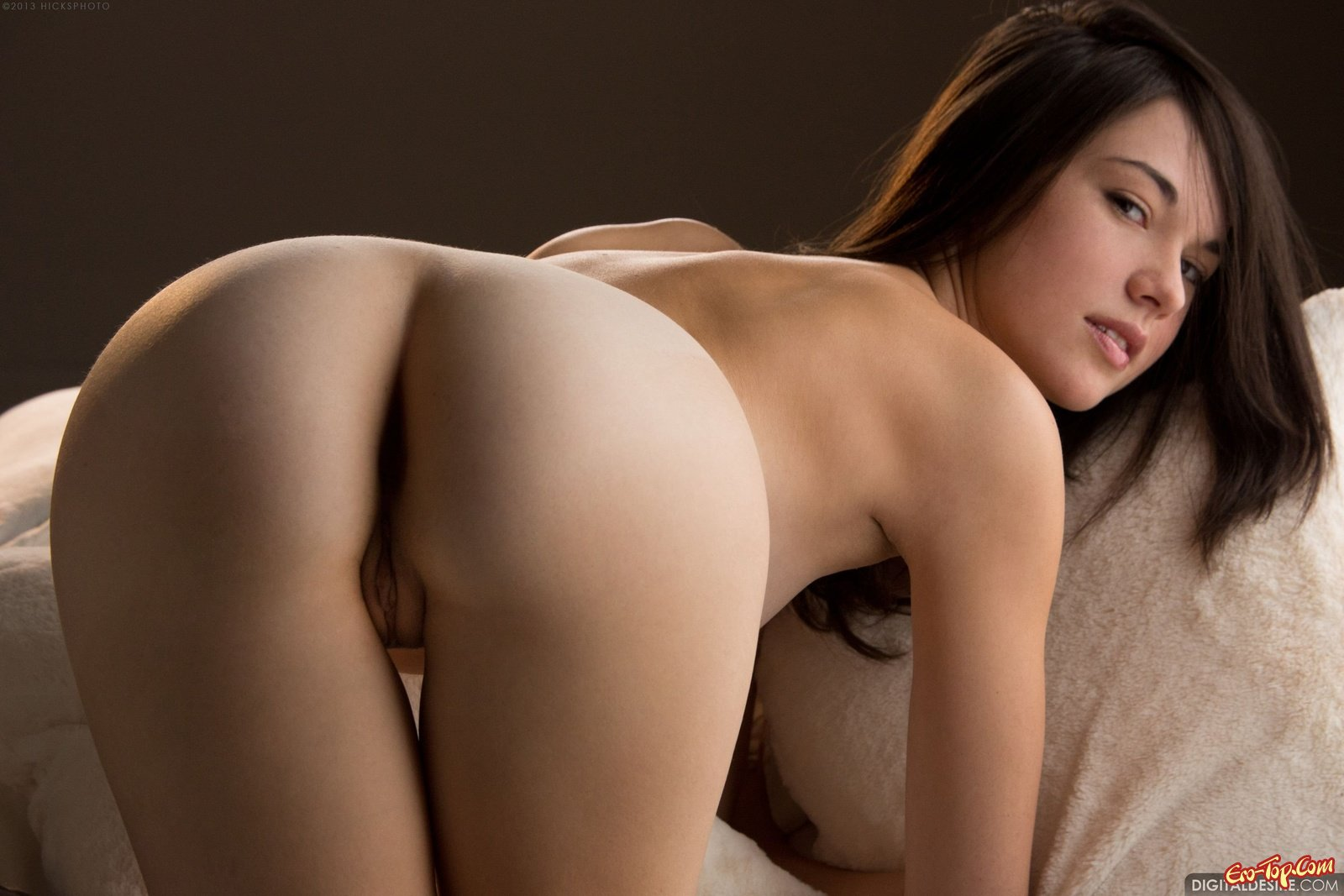 Emily Grey в постели