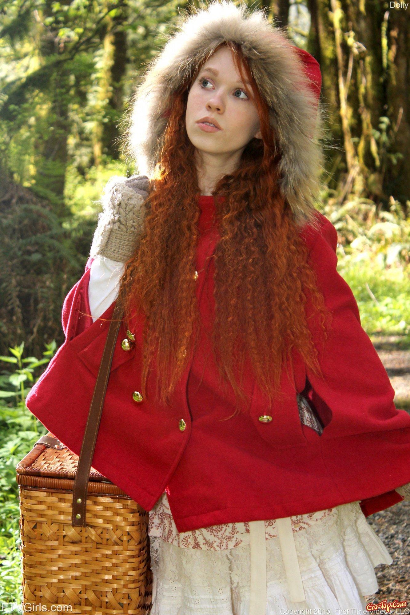 Голая красная шапочка
