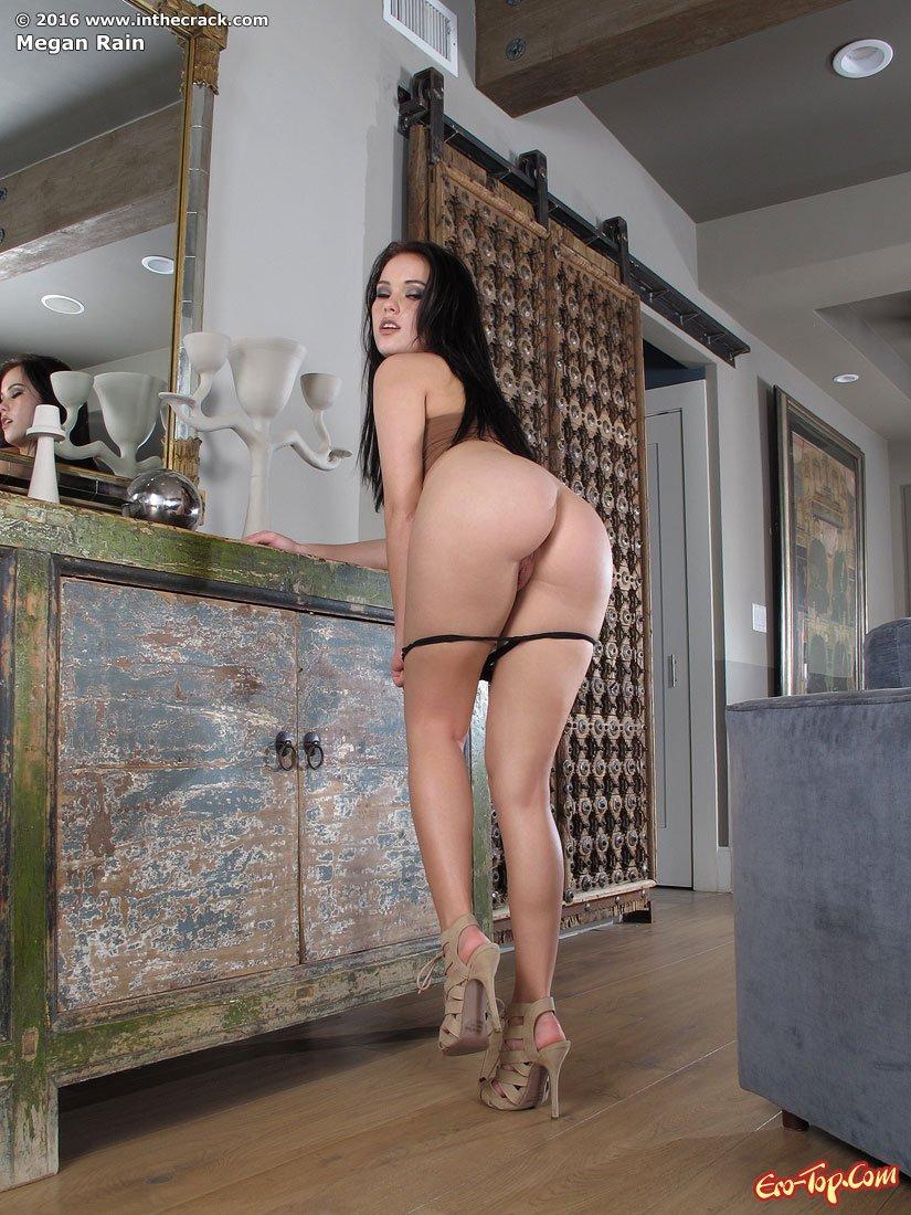 Пышная Megan Rain секс фото