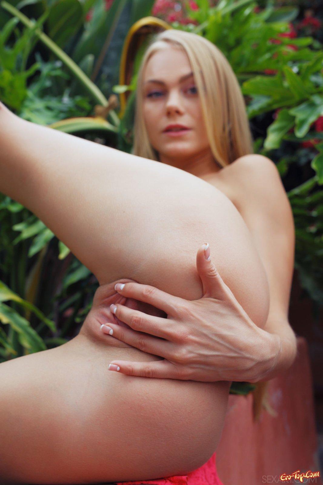 Горячая эротика с светленькой секс фото