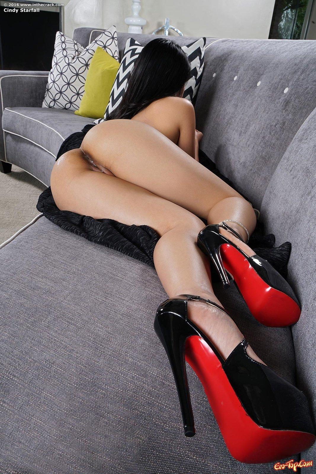 Cindy Starfall на каблуках